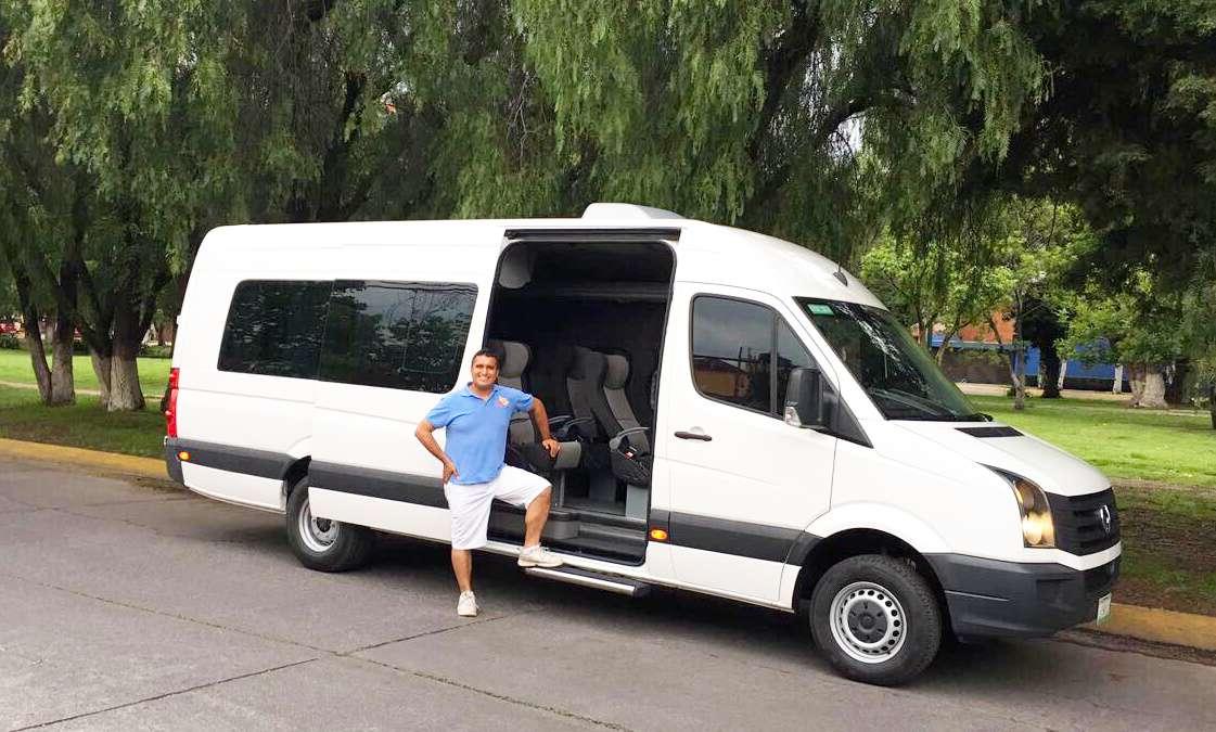 Renta de Camionetas con chófer hasta 21 pasajeros