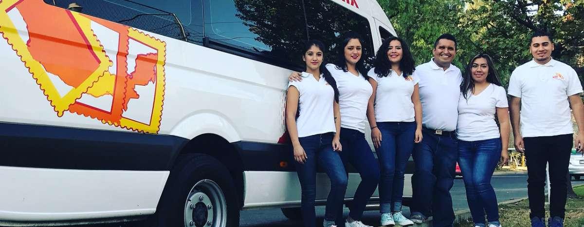 Staff de Viajemos México renta de camionetas con chofer